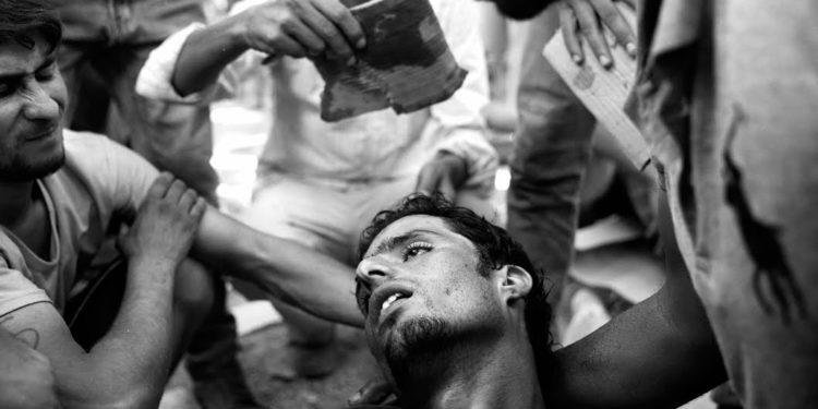 """Paolo Pellegrin """"Frontiers"""": il dramma dei migranti per immagini"""